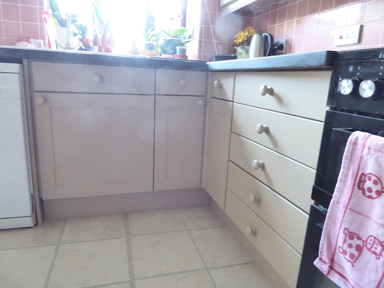 kitchen-painter-sudbury-suffolk-a11