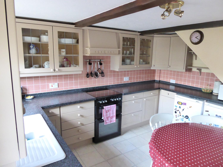kitchen-painter-sudbury-suffolk-a4a