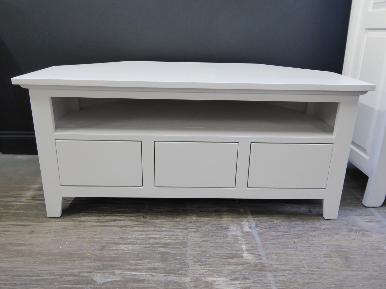 furniture-painter-suffolk-t