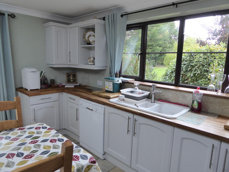 20-kitchen-painter-suffolk